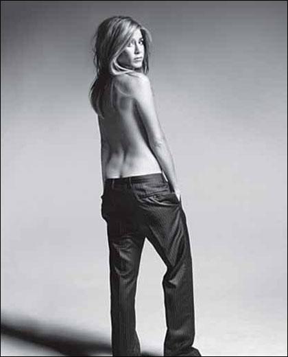 A los 45 aos, Jennifer Aniston se desnuda en sensual