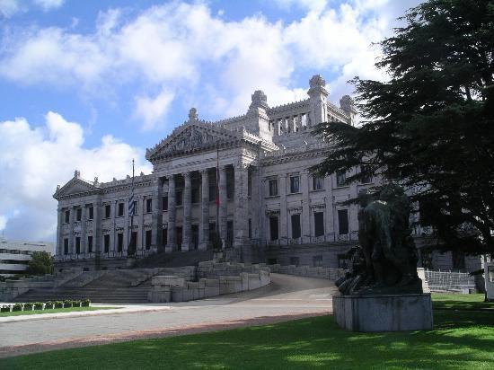 Sin acuerdo en alcance para investigar financiamiento a partidos políticos — URUGUAY