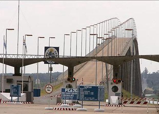 Colonia: Se reflota la idea del puente Buenos Aires