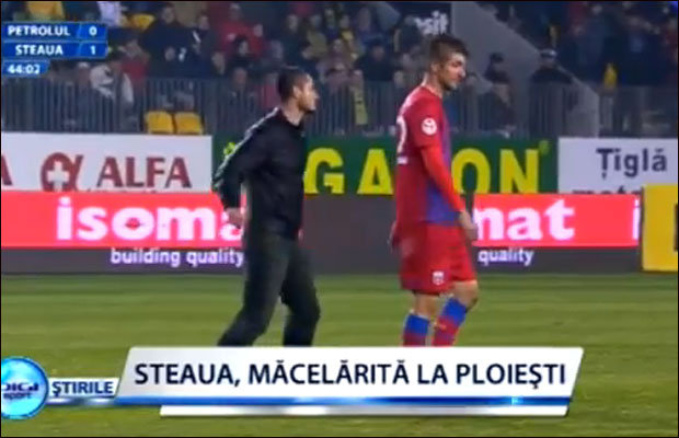 Jugadores linchan a un hincha en un estadio