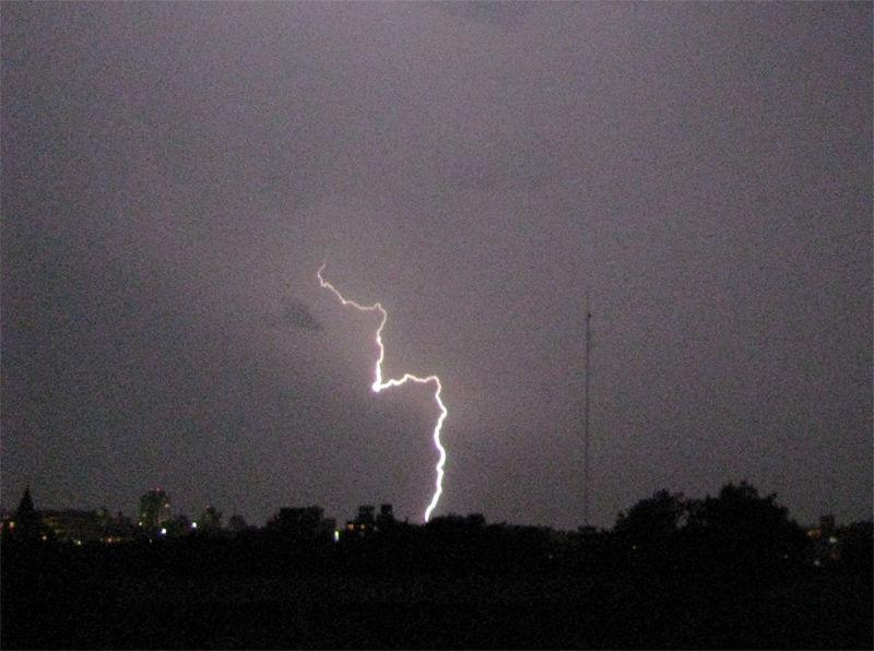 Se extiende advertencia meteorológica Naranja a 10 departamentos
