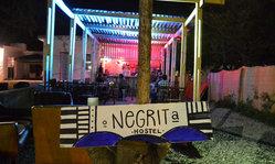Contenido de la imagen Negrita Hostel