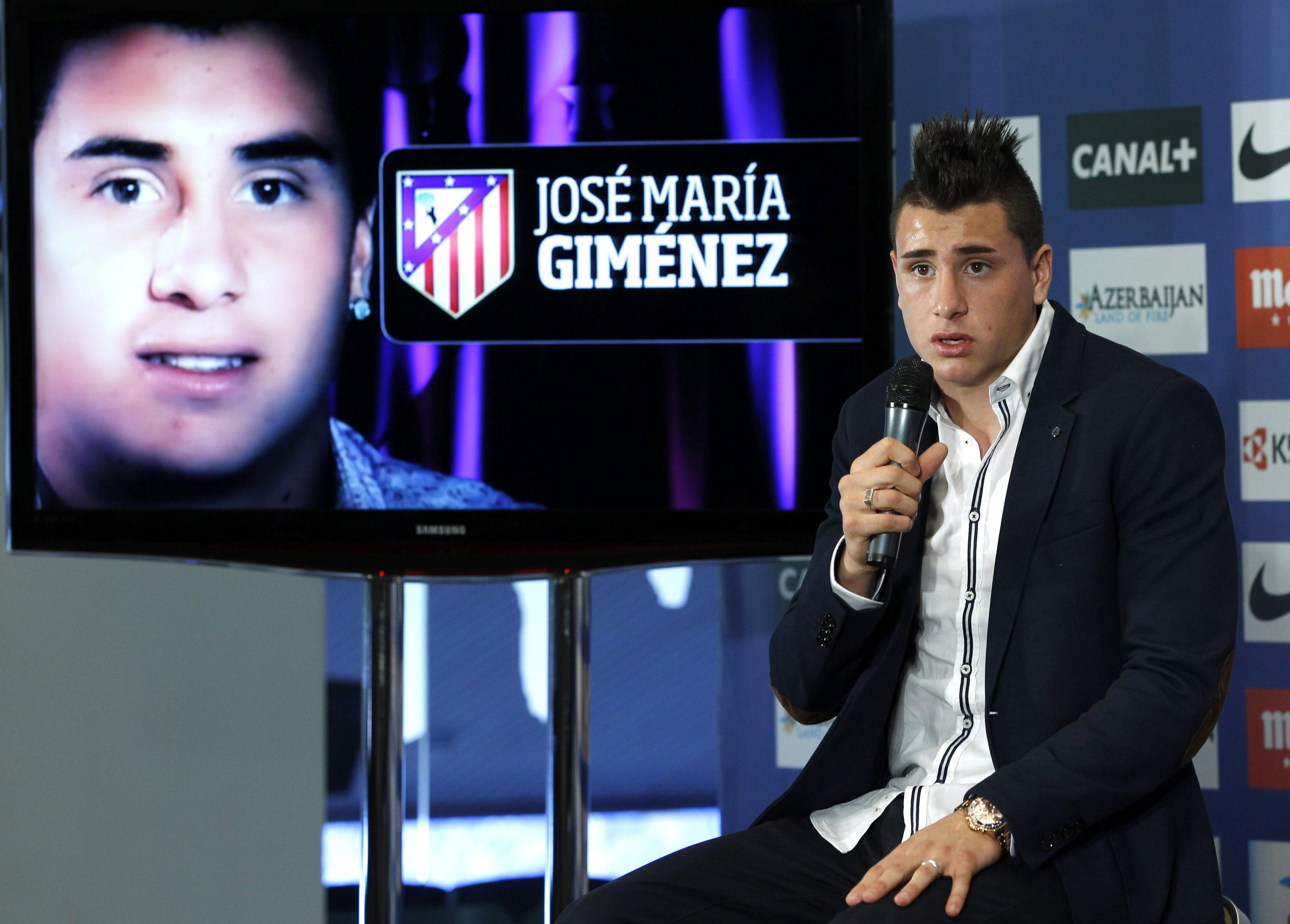 Giménez presentado en el Atlético Madrid