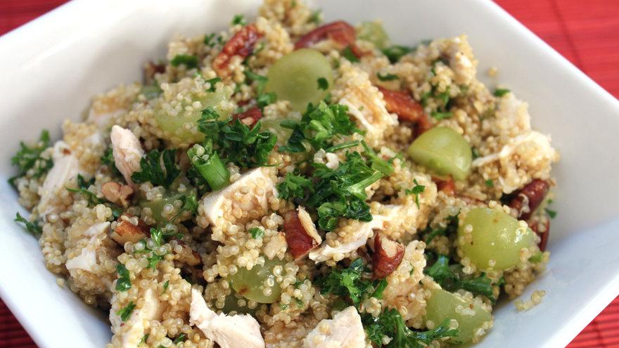 Ensalada de quinoa pollo y almendras for Cocinar quinoa con pollo