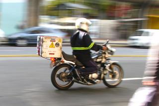 MTSS capacitará a repartidores para combatir informalidad y siniestralidad vial