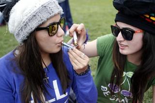 83% de uruguayos nunca fumó marihuana, según Cifra