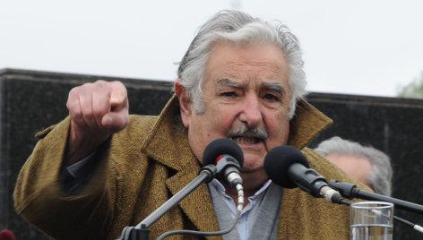Mujica dijo que será él quien tome la decisión sobre los prisioneros de Guantánamo