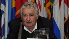 Mujica apuntó contra el país académico