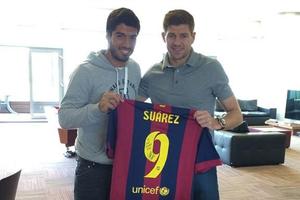 """""""Suárez y Gerarrd, dos grandes amigos"""""""