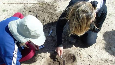 Proponen museo alrededor de huellas de dinosaurio en Tacuarembó