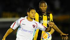 Clausura: Atenas-Peñarol, en juego
