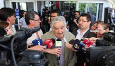 Mujica reflexionó sobre el valor de la vida en el Centro Teletón