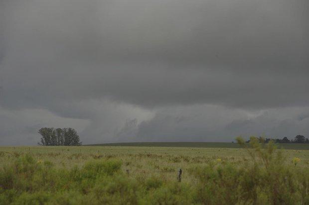 URUGUAY: Meteorología emitió advertencia amarilla por lluvias y vientos fuertes