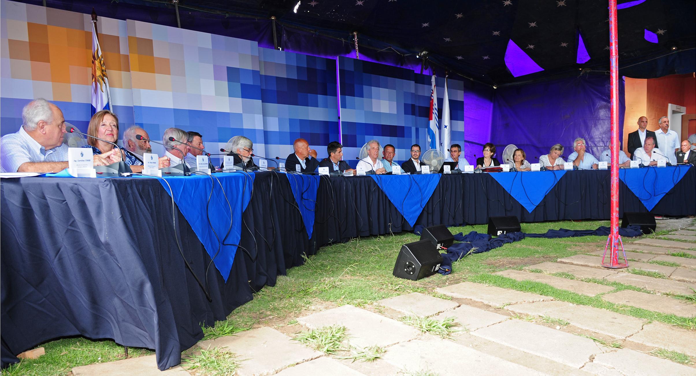 Vázquez y sus ministros sesionarán en Piedras Coloradas - Montevideo Portal (press release) (registration) (blog)