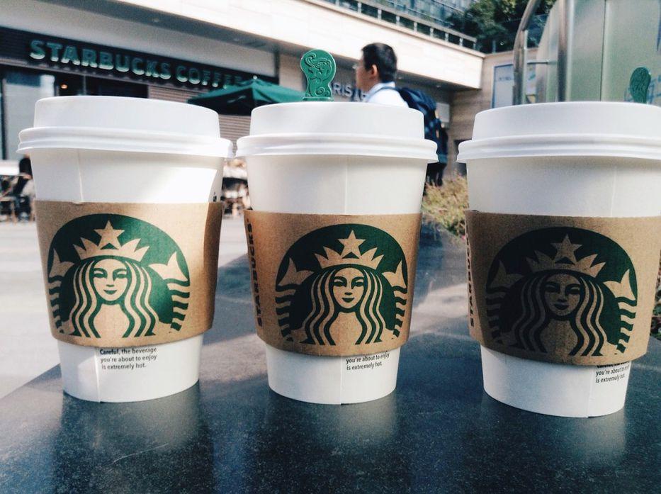 A un lado, unicornio: ya viene el nuevo frappuccino de Starbucks