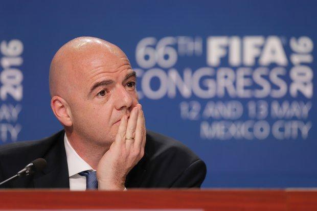 Resultado de imagen para salario Infantino FIFA