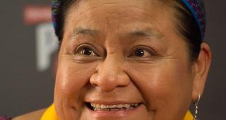 Rigoberta Menchú en los Premios Platino