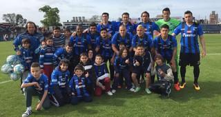 Uruguayo: Liverpool venció 1-0 a Villa Española en Belvedere y es líder