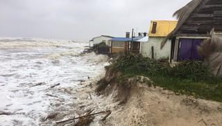 Varias viviendas destrozadas en Aguas Dulces