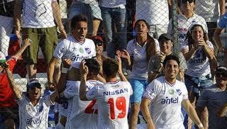 Uruguayo: Nacional venció a Juventud 2-0 y dio un paso gigante al título