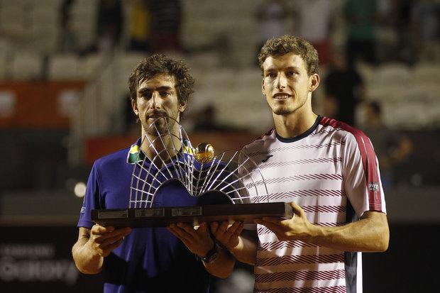 Cuevas y Carreño con el trofeo en el Río Open 2017. Foto: EFE l W.Meier
