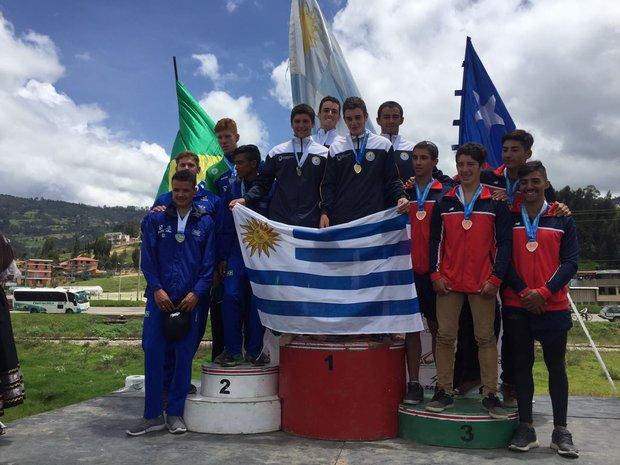 Uruguay fue oro en K4 200 metros.