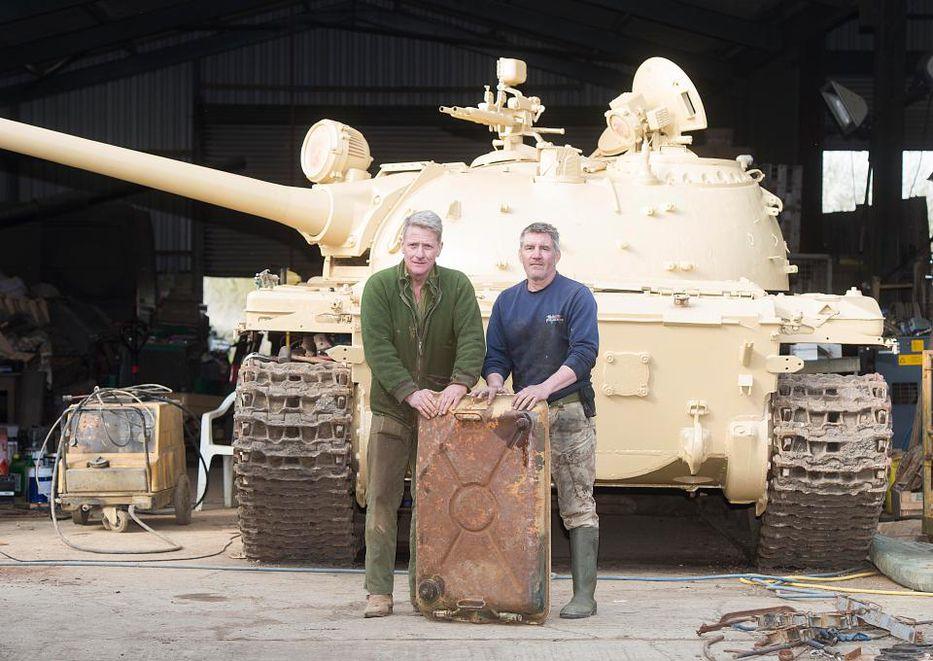 Coleccionista halla millonario tesoro en antiguo tanque de guerra soviético