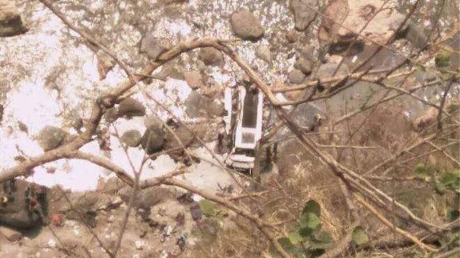 Accidente de autobús deja 44 muertos en India