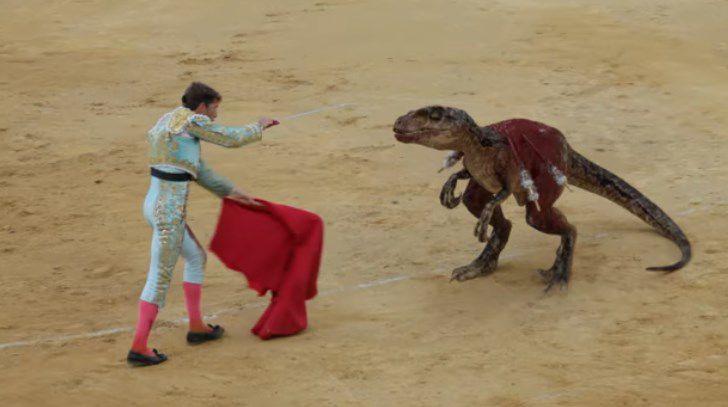 La campaña antitaurina viral: Reemplaza al toro por un velociraptor