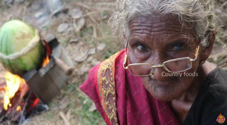 Cocinera india de 106 años sorprende con su propio canal — YouTube