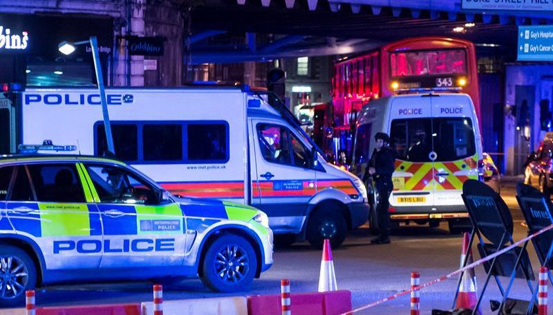 Policías dispararon hasta 50 veces contra terroristas — Atentado de Londres