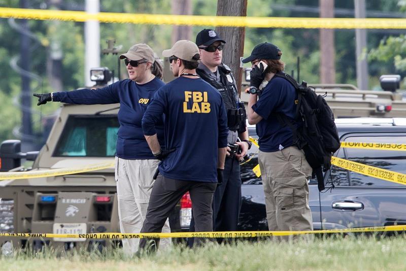 Líder de mayoría republicana en Cámara de EEUU es herido de bala