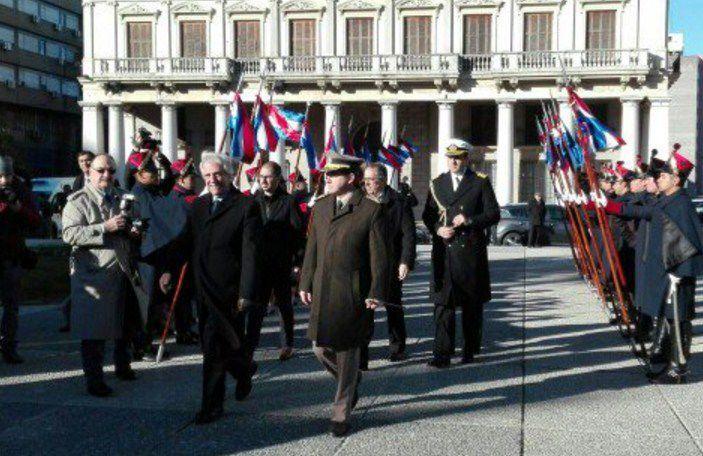 El presidente uruguayo anuncia una reducción en el precio del gasoil