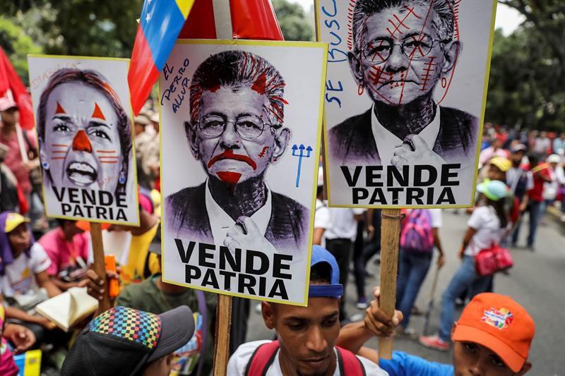 Trump prepara nuevas acciones en su injerencia contra Venezuela