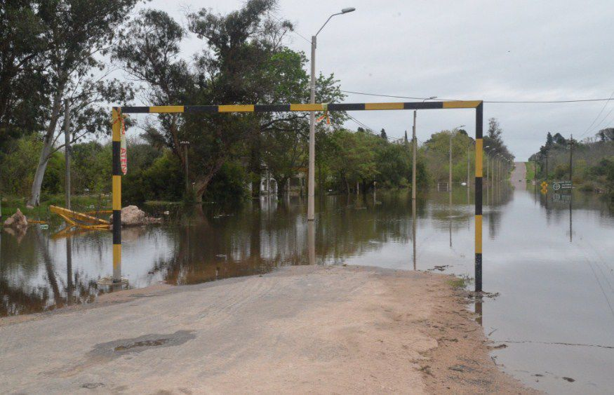 546 personas desplazadas y más de 30 cortes de ruta por inundaciones