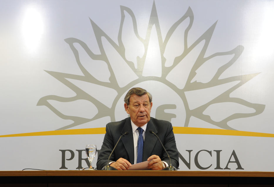 Canciller uruguayo critica medida brasileña de bloquear compra de productos lácteos