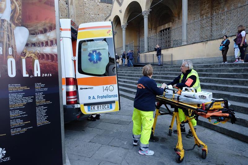 Turista español muere por caída de mampostería en Florencia