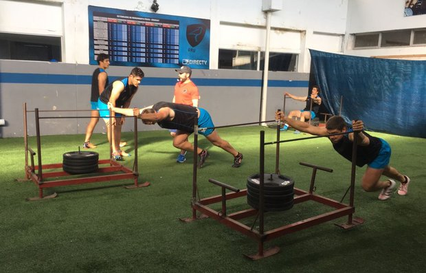 Los Teros entrenando en el Estadio Charrúa. Foto: @TerosXV