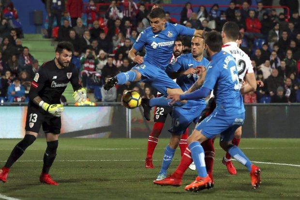 Mauro Arambarri en acción con el Getafe. Foto: EFE l Kiko Huesca