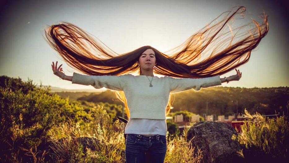 Esta adolescente argentina tiene el pelo más largo del mundo