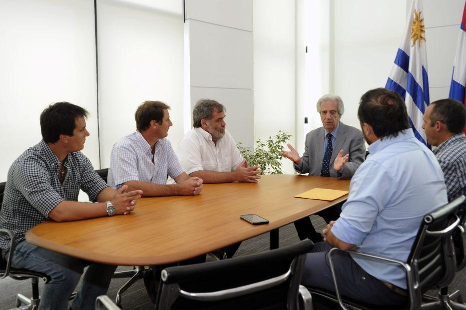 Vázquez anunció beneficios para productores ganaderos y agricultores de menos de 1000 Ha