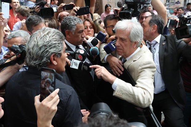 La última vez que se juntaron, el presidente fue increpado por los manifestantes. Foto: EFE