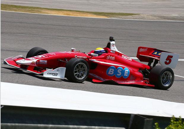 Santiago Urrutia, piloto uruguayo de Indy Lights en la carrera 1 en Barber Motorsport