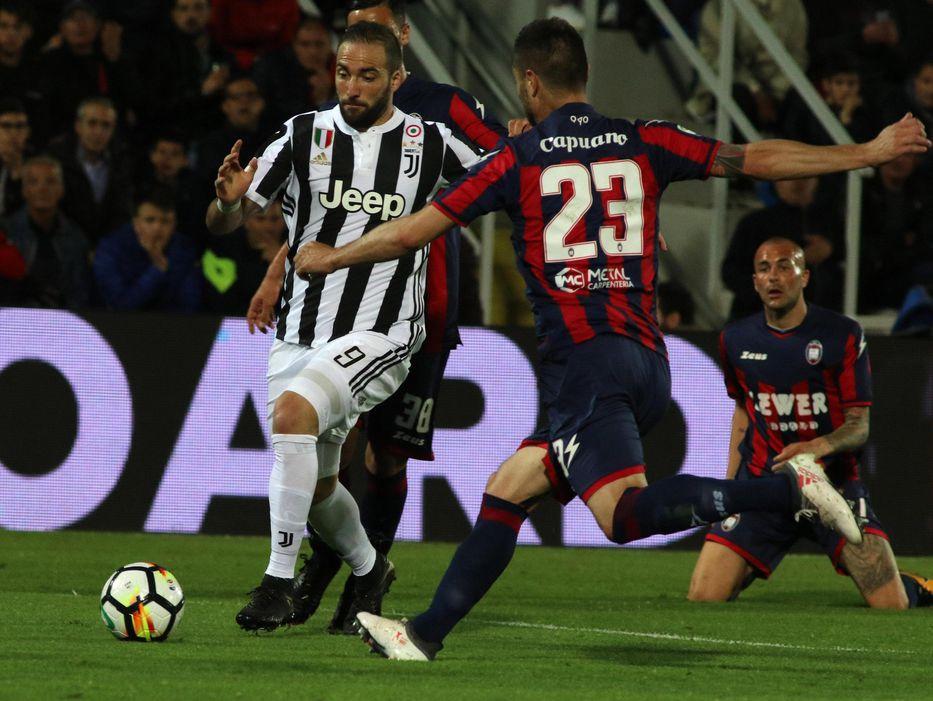 Juventus empató y Napoli ganó en la Serie A