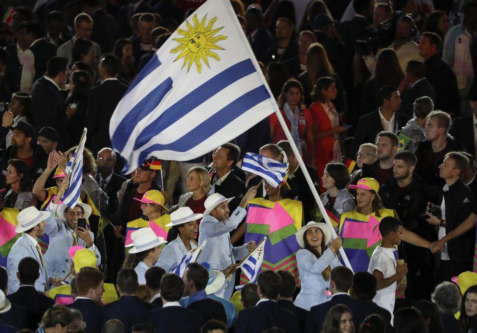 Bandera en mano