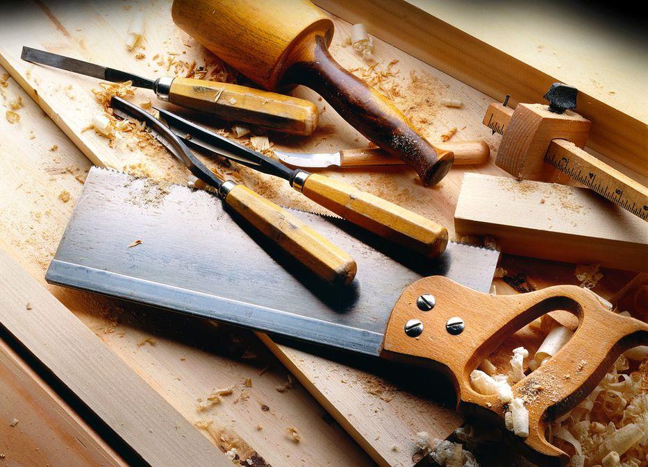 Ser carpintero y quedar clavado