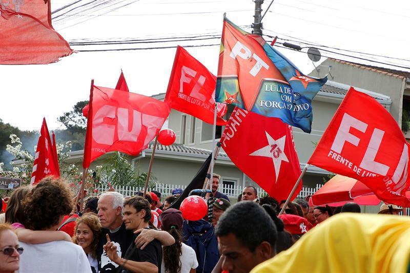 Tras controversia judicial deciden que Lula quede preso