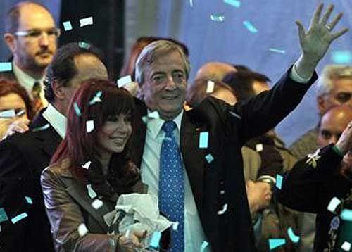 Politica-y-economia: Más comprometida, Cristina ya ingresó a Tribunales