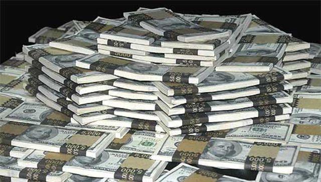 Bañados en billetes