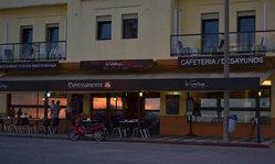 Contenido de la imagen La Corniche: bistró - café gourmet - lounge